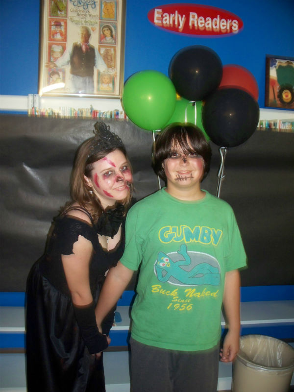 Zombie Prom King and Queen 2